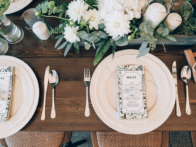 planning your wedding food