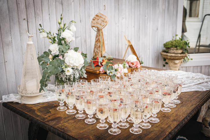 Planning your wedding drinks guide