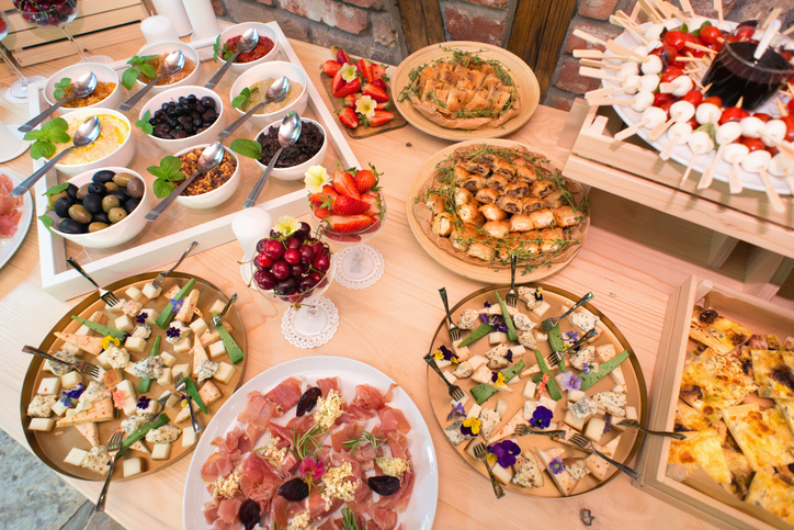 planning your wedding food guide